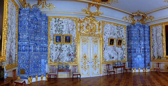 800px-St._Petersburg_-_Great_Catherine_Palace_–_Indoors_-_Большой_Екатерининский_дворец_-_В_помещении_-_panoramio_(1)