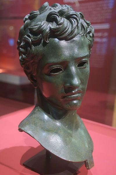 Statue_de_Juba_II