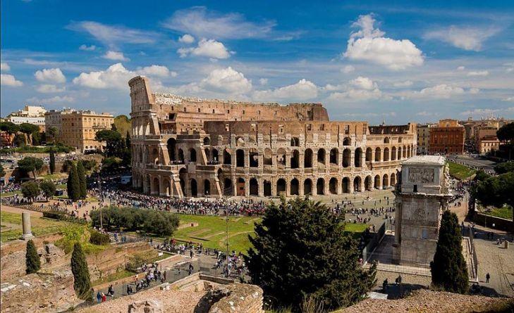 Le_Colisée_de_Rome-2016