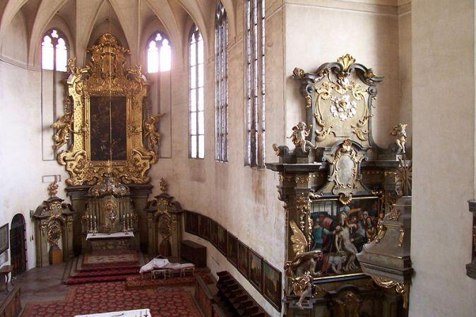 Praha,_hrad,_kostel_Všech_svatých,_interiér