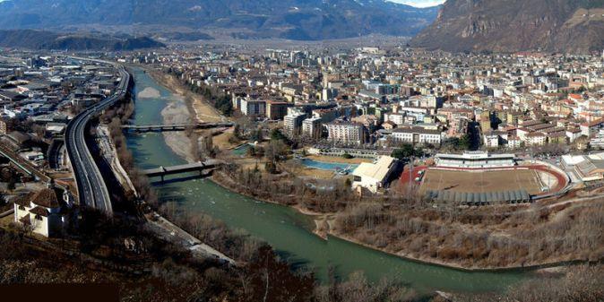 800px-Panorama_Bolzano