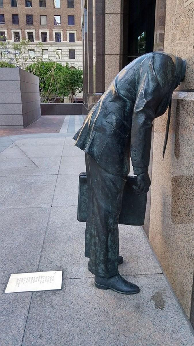 statue-2421173_1920
