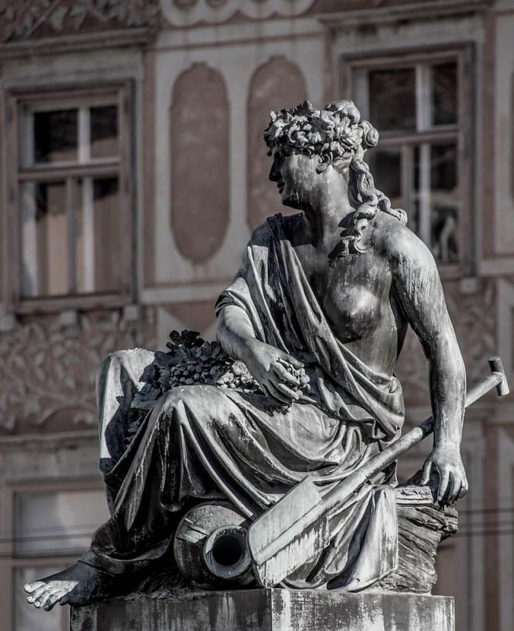 minerva-goddess-sculpture-art