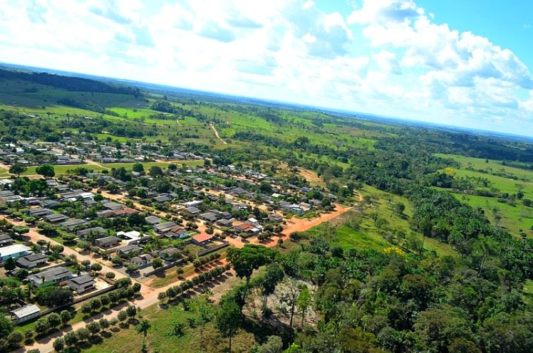 800px-Paranaita_-_State_of_Mato_Grosso,_Brazil_-_panoramio_