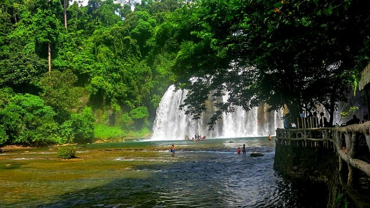 800px-Tinuy-an_Falls_in_Surigao