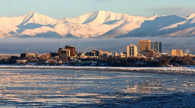 800px-Anchorage_from_Earthquake_Park