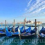 Фото- картина- Гондолы,Венеция,репортаж Анны Прохоровой,заказать картину по фотографии