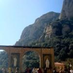 Вид из монастыря Монтсеррат на одноименную гору