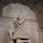 Скульптуры и барельефы монастыря1