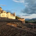 Городской пейзаж-Урбино-Верона - заказать картину