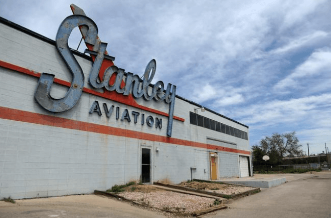 Stanley Aviation call for muralists
