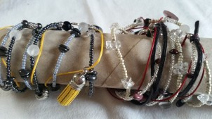 Armbänder zu verschiedenen Themen