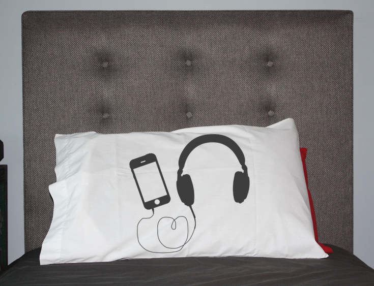 Headphone Pillow DIY