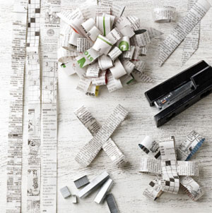 Hand made Newspaper Bows tutorial