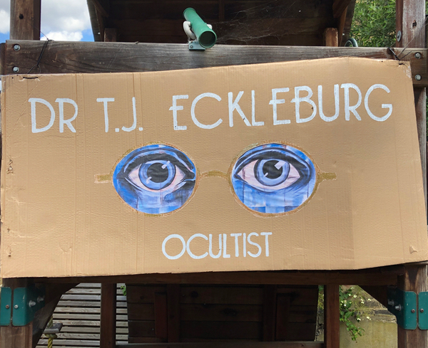 The eyes of Dr TJ Eckleburg Ocultist at Speakeasy Party