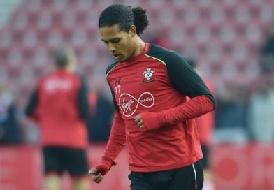 Reds Continue to Monitor Van Dijk Situation, Ready to Pounce if Saints Welcome Bids
