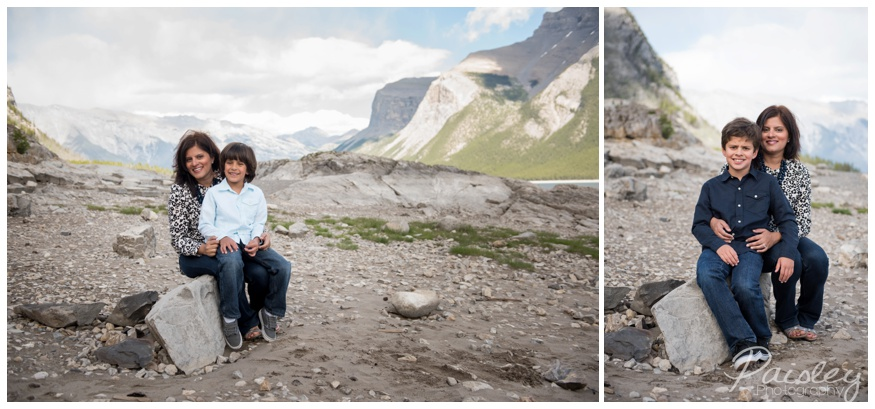 Lake Minnewanka Family Photography