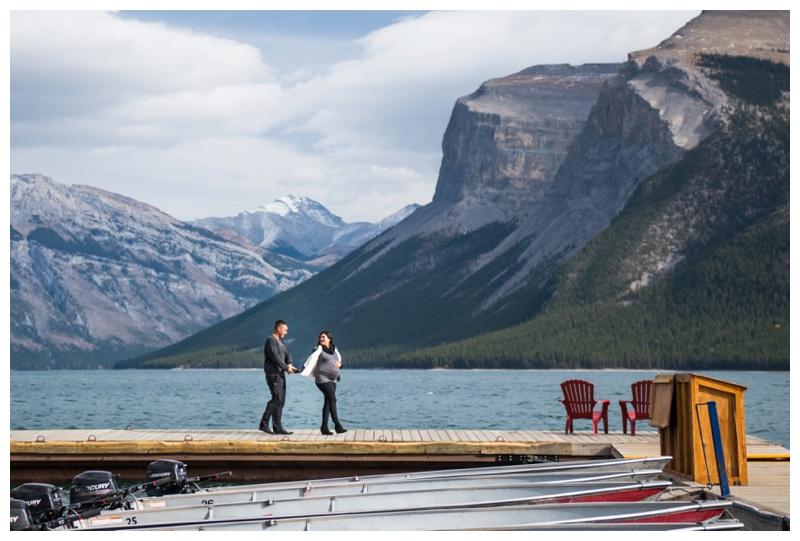 Lake Minniwanka Banff Laberta - Maternity Photos