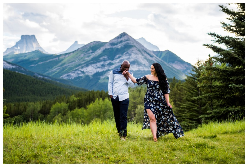 Canmore Couple Photographers