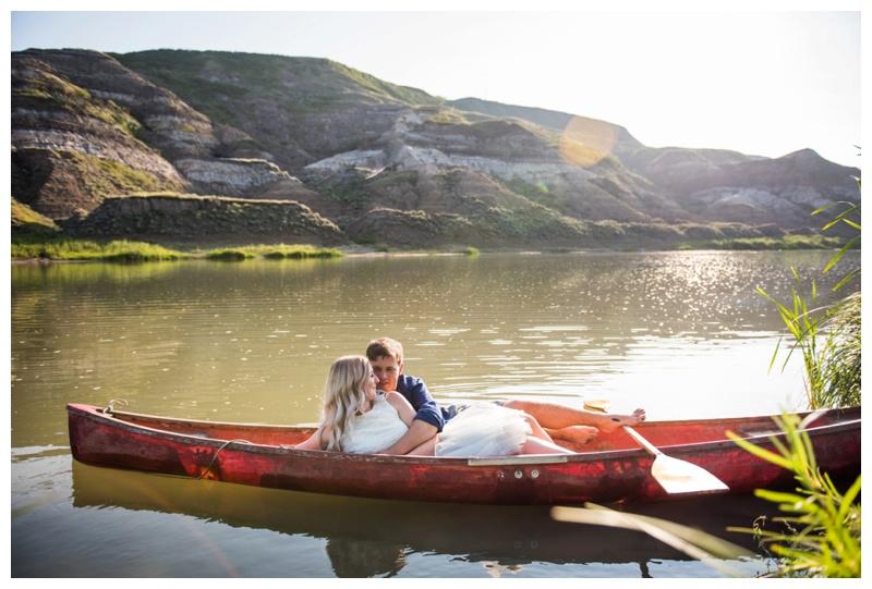Drumheller Engagement Photos - Canoeing engagement Photos
