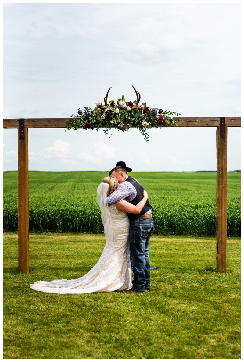 Olds Willow Lane Barn Wedding Ceremony Photographers