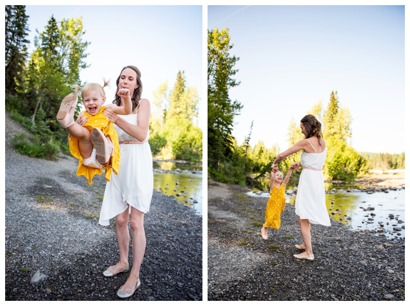 Bragg Creek Provincial Park Family Photographer