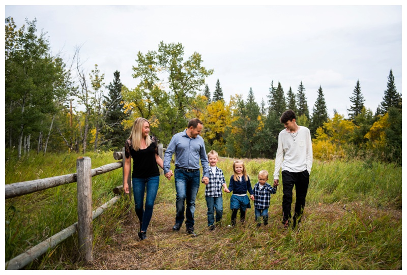 Calgary Autumn Fish Creek Park Family Session