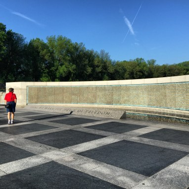My Marine Corps Mama at the WWII Memorial