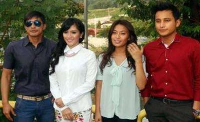Para pelakon Teduhan Kasih. Dari kiri Adi Putra, Sherry Ibrahim, Nabila Huda dan Shah Iskandar.