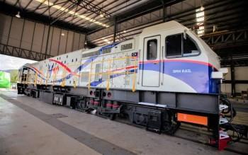 ekonomi-:-smh-rail-lancar-lokomotif-pertama-buatan-malaysia