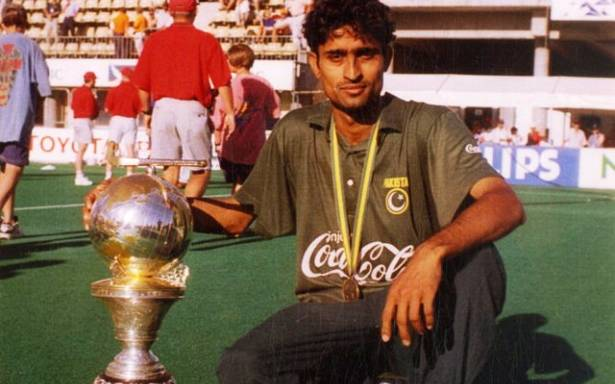 SHAHBAZ_AHMED 1994 cup in hands