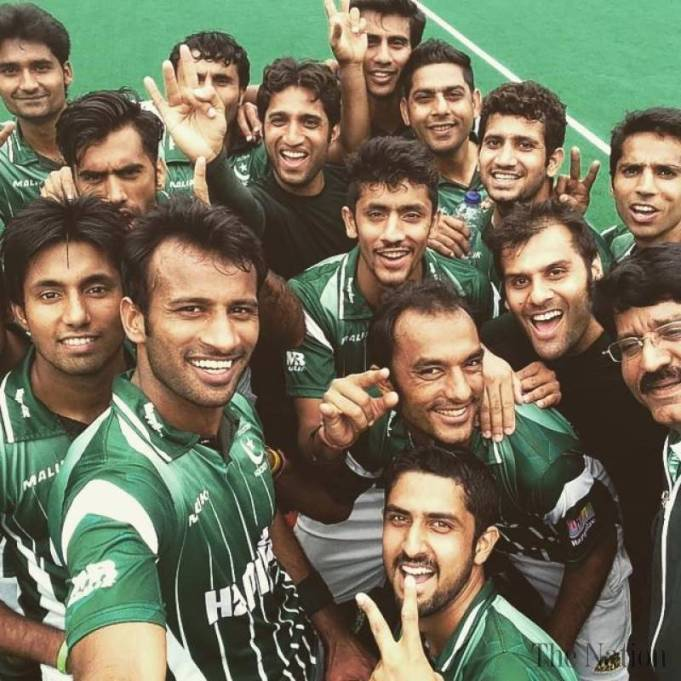 pakistan-to-play-india-in-asia-junior-hockey-cup-final-1448116439-9465