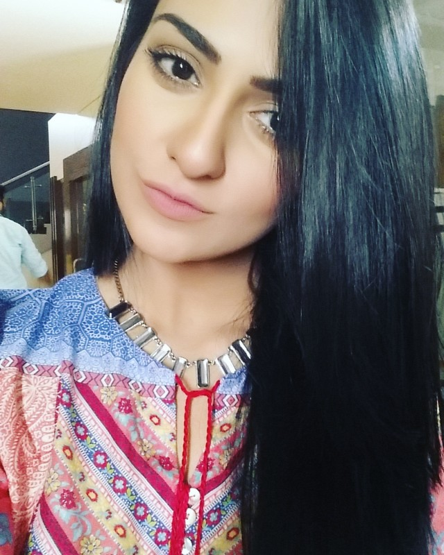Sarah Khan Biography Dramas Height Age Family Net Worth