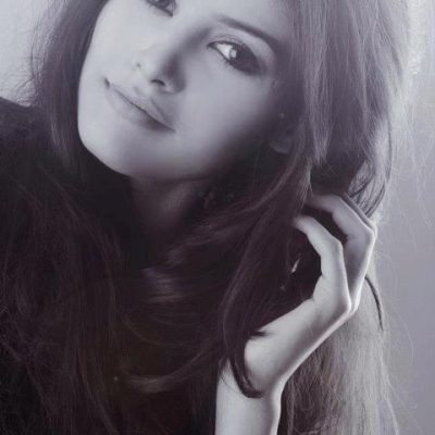 Female Escort Ayyan in a hot look