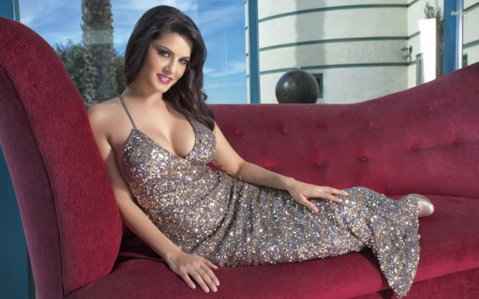Sunny Leone in Raees's item song