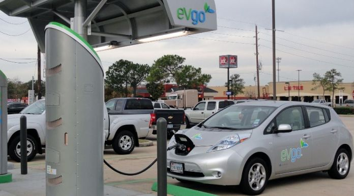 Electric Car Charing Stations making way in Pakistan
