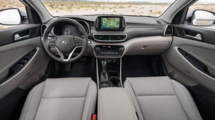 Hyundai Tucson interior view