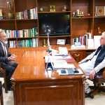 کینیڈا کیلئے پاکستان کے نامزد ہائی کمشنر امیر خرم راٹھور کی وزارتِ خارجہ میں وزیر خارجہ مخدوم شاہ محمود قریشی سے ملاقات