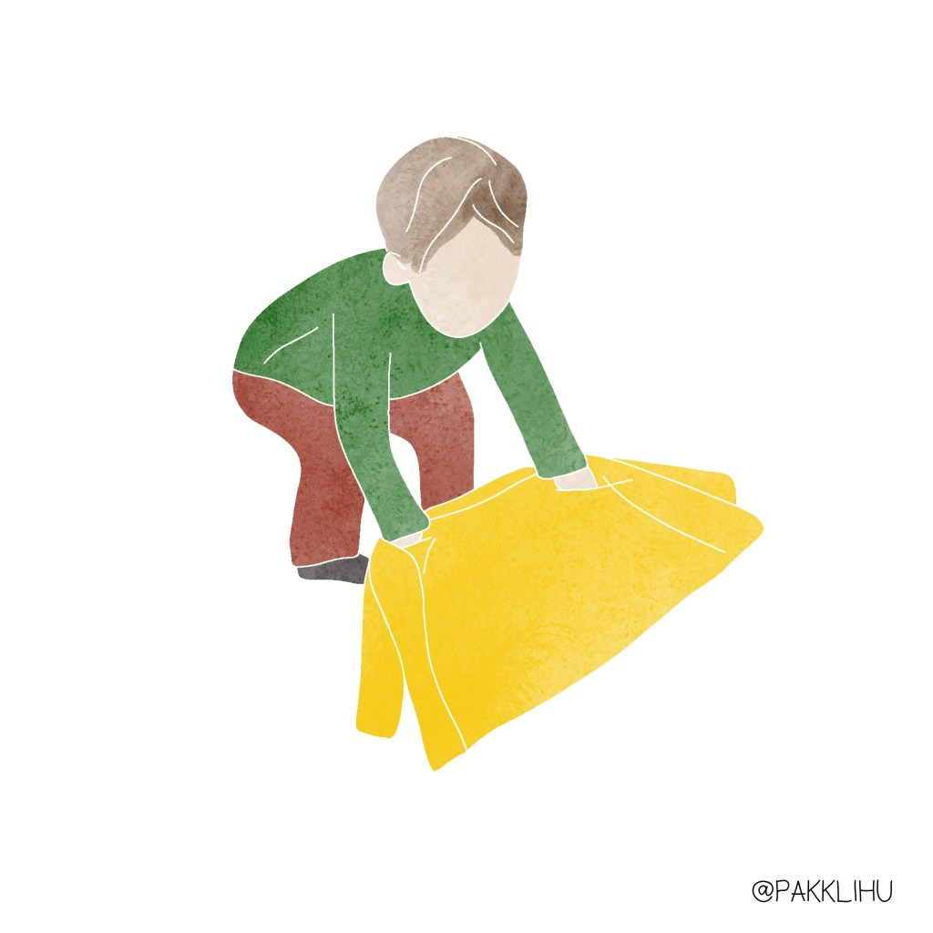 Montessori coat flip 2. lépés