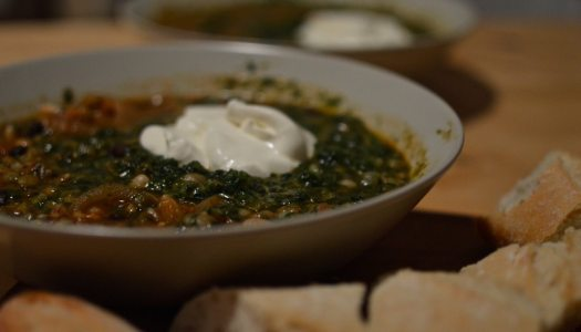 Vegetarian spinach and legumes winter stew