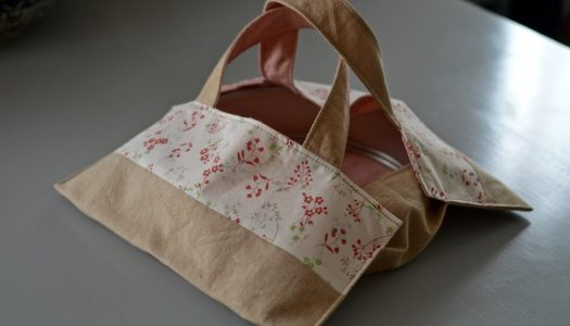 Handmade pie carrier tote