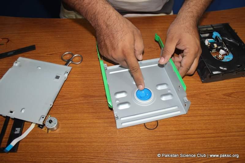 Disc drive hub ( spindle platter) Holder