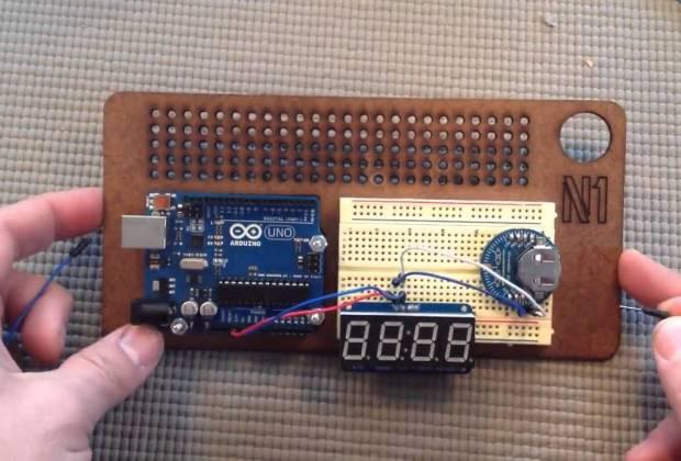 Digital code clock