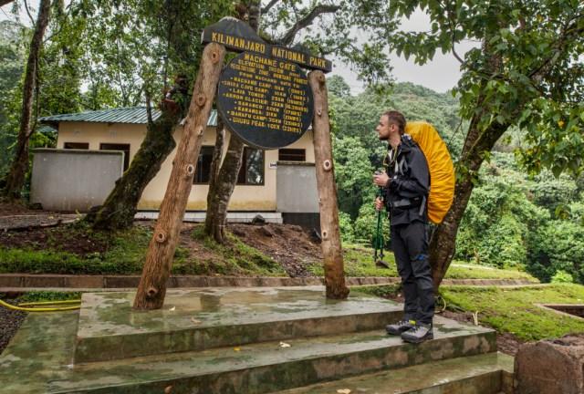 początek trekkingu na Kilimandżaro