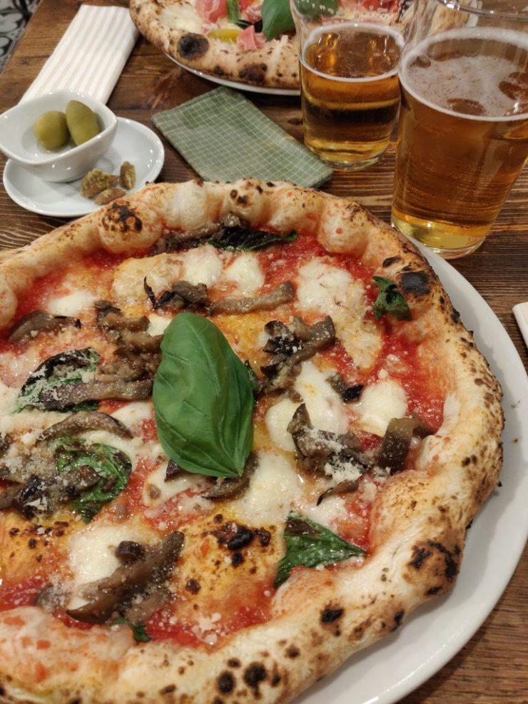 Marghe pizza via plinio