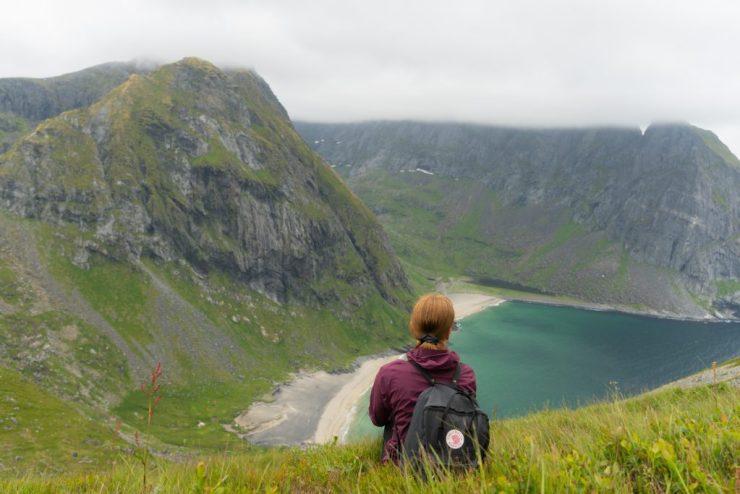 Näkymä Ryteniltä Kvalvikalle Lofooteilla, Norjassa