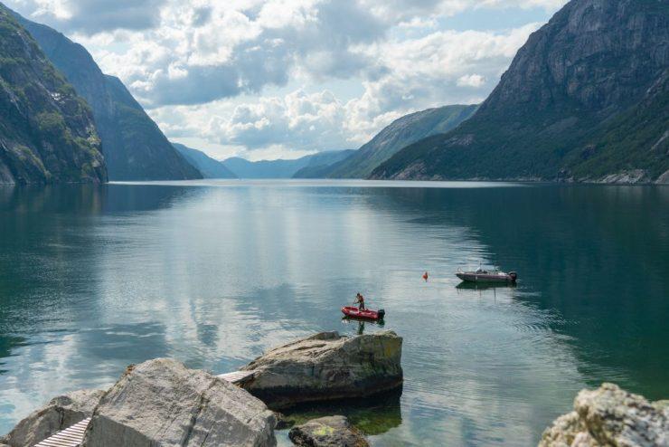 Lysefjord-vuono ja vuoria