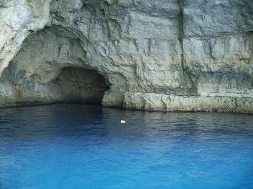 La gruta olvidada