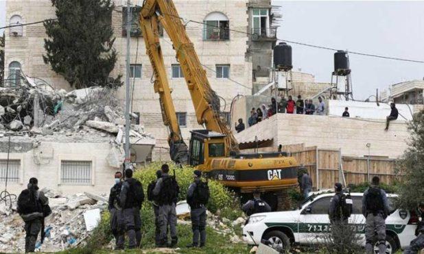 من عمليات الهدم في حي الشيخ جراح