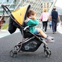Descubriendo la ciudad con la nueva silla de paseo Babyhome Vida